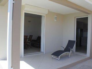 Location d'un T2 dans villa neuve composée de deux appartements