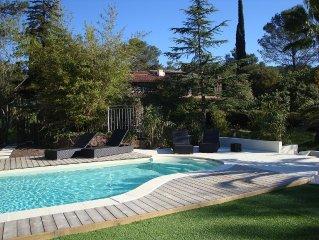Appartement avec terrasse privative dans villa avec 2 piscines et jacuzzi