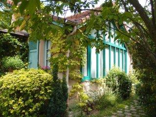 PARIS a 2 pas, PETITE MAISON-ATELIER d'Artiste, charme et verdure .