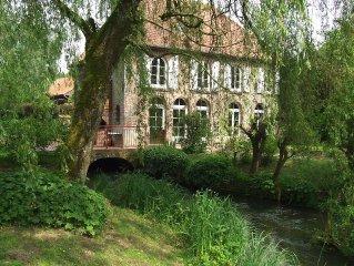 gite de charme dans un moulin a eau, capacite de 12 personnes, animaux acceptes.