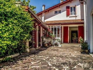 Villa NANTUCKET, a green city core 100m from the beach