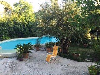 Maison dans lotissement calme avec piscine proche des plages