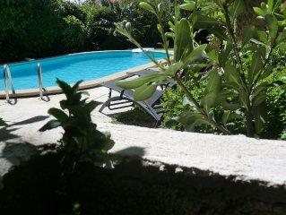 Une belle et grande maison de vacances :Lou Bres en Provence pres d'Avignon