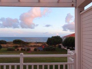 Appartement face mer près des Sables d'Olonne, piscine privée et parking gratuit
