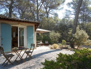 LITTLE HOUSE IN A NATURE COAST AIX EN PROVENCE