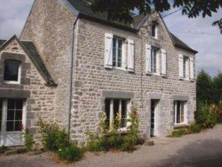 Charmante Maison de pierre, en limite d'un hameau tres calme,