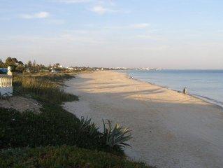 Hammamet Nord: Appartement dans Villa à 100 m d'une belle plage de sable fin