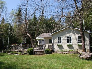Cute 3 BDRM Cottage Close to the Beach