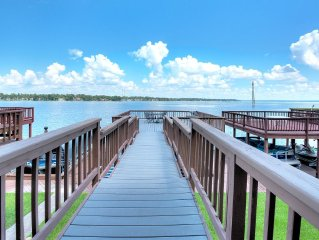 Spacious 4 bdrm/2.5 bath Conroe Lakefront paradise. Sleeps 12-14.