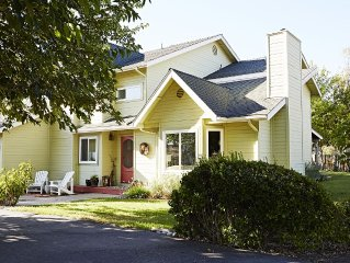 Modern West side Wine Country- close to town, wineries, and beaches!