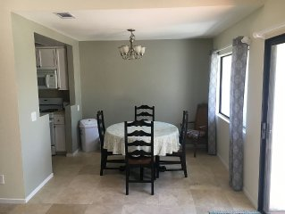 San Diego Downtown Marina 3bed 2 Bath Townhouse Centrally Located