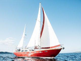 Sail Bainbridge - Elegant Stay & Sail - Breakfast Included!