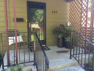 Cozy, Urban Retreat close to Downtown, Great Food and Outdoor Activities