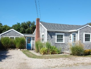 Crescent Beach Mattapoisett - Bright, beautiful, airy beach house