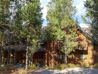 Moose Hoose-7 bedroom/5 bath. Only 25 minutes to Yellowstone NP. Sleeps 14-30