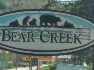 2 bedroom 2 bath nicely furnished condo in Bear Creek 1.5 miles from Stratton