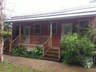 Fully Furnished, Close to Historic District, Quiet Culdesac, Friendly Neighbors