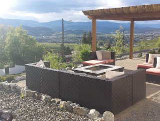 Gorgeous Views Fully Furnished 4-6 Person Vacation Suite In Sunny Beach Kelowna