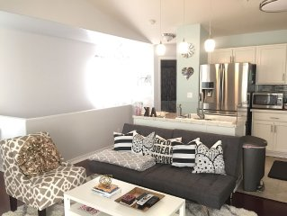 ELEGANT 1BR SUITE IN THE HEART OF MIDTOWN ANCHORAGE!