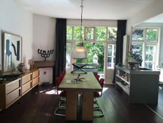 Stylish House With Big Sunny Garden Near To The Zuid-as And Cultural Highlights