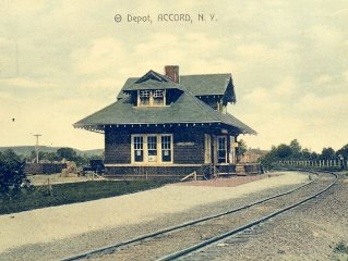 Accord Train Station - From 1902 - Ambiance , Charm And Space