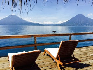 Casa de Larry, Lakefront 3 Bedroom Villa, Private Deck and Palapa over the Lake