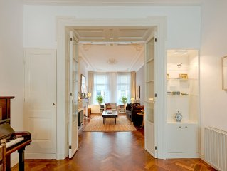 Comfortable Romantic in high end area, very near to Van Gogh- and Rijksmuseum
