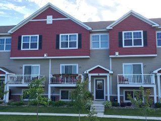 Lovely Town Home In Chanhassen Just Minutes From Ryder Cup Entrance!