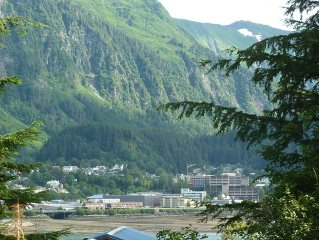 Quiet apartment with spectacular view of downtown Juneau Alaska