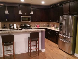 Spacious 4 bedroom w/loft home, minutes from Hazeltine National Golf Course