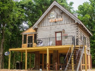 Get Away From It All On The White River & Near Historical Mountain View, AR