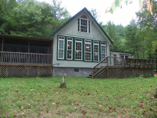 WATERFRONT COTTAGE~PRIVATE~PETS~FIREPLACE~CLOSE TO TOWN~FISHING~
