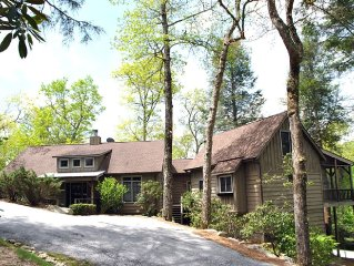 Fun & Luxury at Trillium Golf and Lake Club - 4 BR/4BA 2016 renovated home