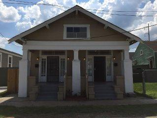 Comfortable 2 Bedroom Mid City New Orleans Shotgun! 20% OFF MONTHLY RENTALS!