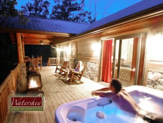 Treehouse D, Quiet 1 Bedroom with Private Patio with Hot Tub