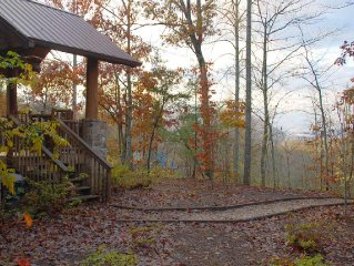 Treehouse B, Quiet 1 Bedroom with Private Patio with Hot Tub