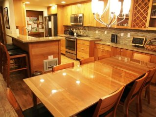 Completely Remodeled 3 Bed/3 Bath Slopeside, Across St from Canyon, WiFi