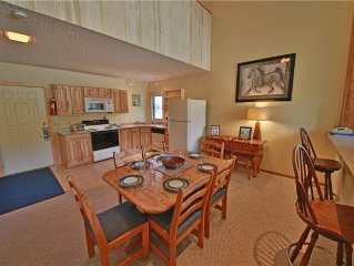 Mountainside 10: 1.5 BR / 3 BA condo in Granby, Sleeps 8
