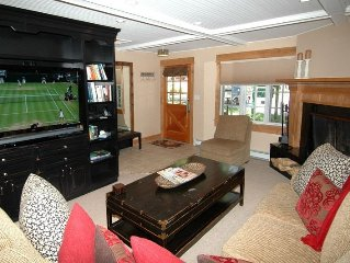 Beautiful 3 bedroom deluxe home, only 2 blocks from downtown Aspen. Alpblick8
