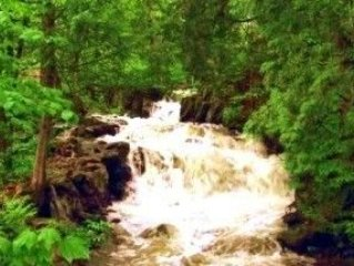 The Riverfalls Cottage - Lac-des-Plages, Quebec