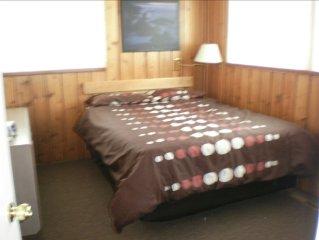 Four Bedrooms Plus Den in Snow Pine Estates