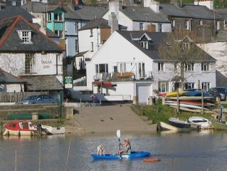 1 River Cottage (R87) - Three Bedroom Cottage, Sleeps 5