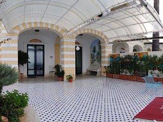 Villa Azzurra A e un elegante ed accogliente appartamento che e parte di una vi