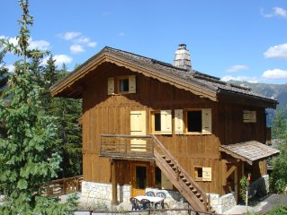 Superb traditional wooden chalets close to the slopes