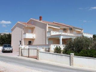 Apartment in Kustići (Pag), capacity 2+3