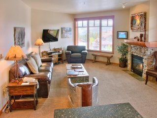 3 bedroom penthouse, #1 unit in Mammoth with pano