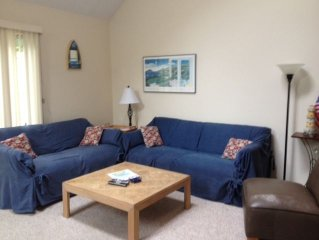 Discounted Rates -Charming Oceanedge Townhouse w/Loft and Guest Pass