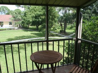 Sarasota 2 Bed Condo Vacation Rental Gated Community with Pools and Park