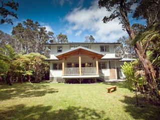 Lovely home with hot tub near Volcano National Park