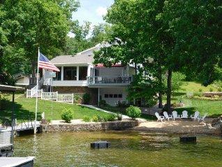 Finn Inn, Lakefront Home With Beach, Quiet Cove,